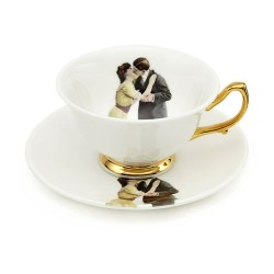 Kissing Couple Teacup